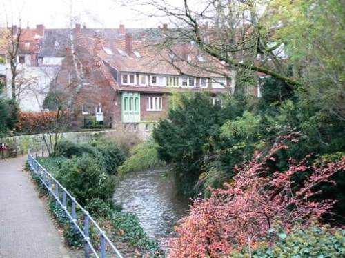 Streamside trail in the middle of Münster